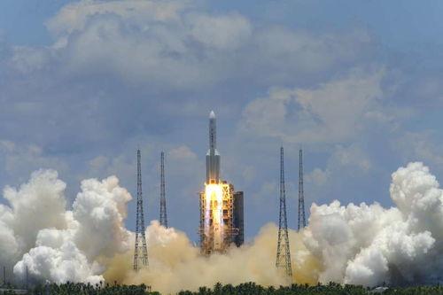 天问一号火星探测器发射升空