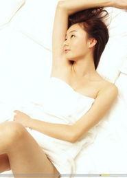 受不了寂寞的少妇,一个人床上缠绵