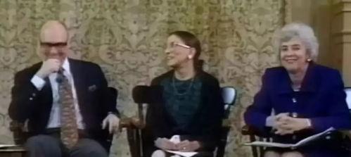 图片来源:纪录片《女大法官金斯伯格》世界上没有神仙眷侣,因为人都会老去.