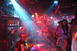 安徽一高校校内开酒吧 校方称是音乐水吧 酒只针对校外人士