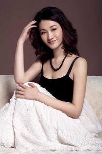 李小冉-手机壁纸 北京车模中十大明星脸