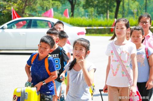 夏令营老师对小孩的自我介绍范文6