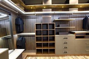 海比衣柜和索菲亚衣柜