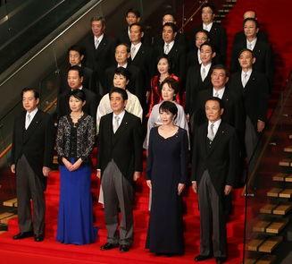 日本首相福田康夫新内阁正式履职