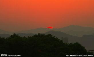 残阳西下 青山满天红图片