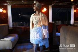 范冰冰与泰国公主巴黎秀场争艳 献吻小马哥