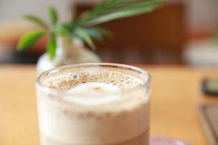 秋天的第一杯奶茶虽然甜,但拥有一家奶茶店却更香