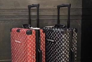 supremexrimowa联名20万天价行李箱中国大妈人手一咖机场转盘太壮观,网惊这什麽情况影