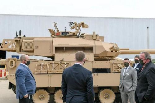 美国通用动力公司展示最新研发的轻型坦克
