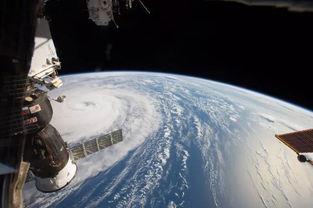 从空间站上俯瞰地球,竟会看见令人窒息的壮丽景色