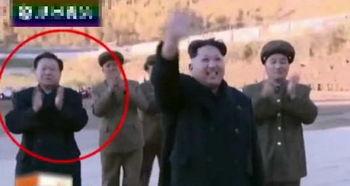 朝鲜播放崔龙海画面 紧随金正恩 表情轻松
