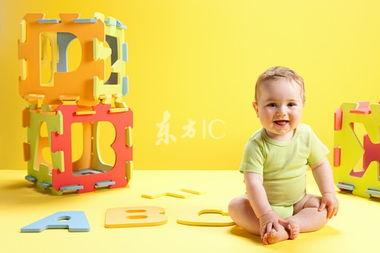 老师对早教宝宝1到2岁半的评语