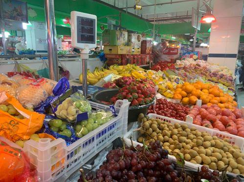 上海88岁老人将房产送给水果摊主,澎湃新闻采访各方当事人