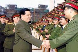 胡锦涛视察南京军区 确保部队的集中 统一
