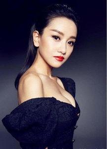 杨蓉胸部足以秒杀柳岩 35岁似少女