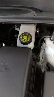 车上各种油液多久换一次 记住这张时间表就够了  变速箱油多长时间换一次