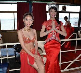 确实,泰国的人妖表演也可谓是一绝,也有很多人认为人妖表演十分低俗,是上不了台面的东西,但是泰国