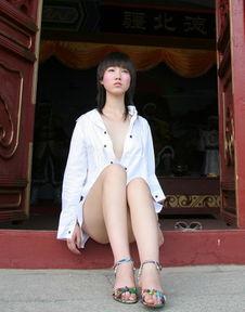 中国第一裸模张筱雨宣传反贪 性感写真曝光曾宣称 从良 向舒淇看齐