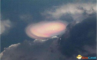 日本多地目击火球 小行星碎片进入大气层摩擦发光