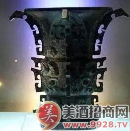 爵爵是汉族古代一种用于饮酒的容器.