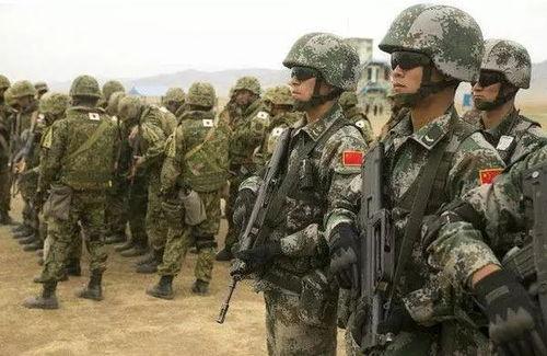 中日士兵同时现身多国维和军演