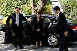 日三女阁僚拜鬼感谢为国牺牲者中韩表愤慨