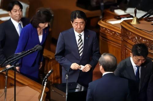 现任首相安倍晋三再次当选日本首相.