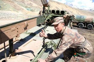 原标题:炮兵跨海拔机动雪山下脚实弹射击场面震撼