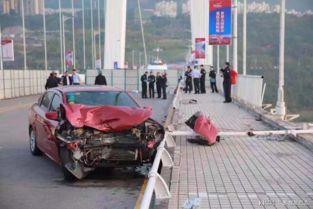 公交车坠江事故,女司机回家了