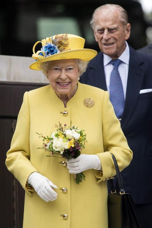 资料图:英国女王与菲利普亲王