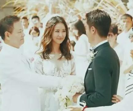 林心如霍建华婚礼现场曝光,霍建华一脸幸福,四目相对甜度满分