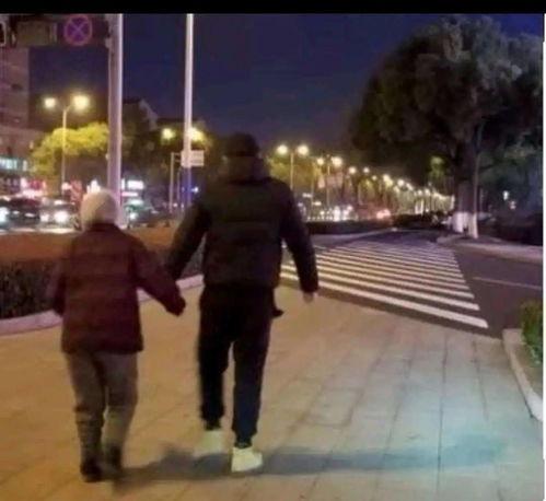 多彩贵州网小伙把5天预产期的妻子留在路边却牵起另一个她
