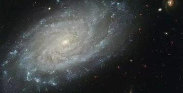 nasa通过这台外层空间录音器瞄向宇宙的某处,然后录下那处的声音,这是真正来自宇宙的音乐,他们是木星、天卫五、海王星、天王星环、土星、土星环、地球、木卫一、天王星.