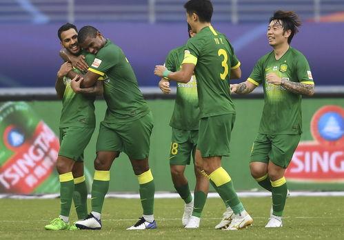 当日,在2020赛季中国足球协会超级联赛第一阶段(苏州赛区)第12轮比赛中,北京中赫国安队以5比1战胜青岛黄海青港队.