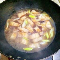 红烧肉炖干菜家常做法