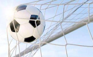 越来越多的学生喜欢上足球,成为学校健劲动美,幸福一生体育理