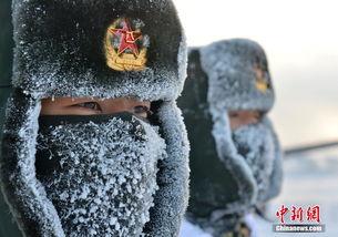 看着都冷 解放军官兵在极寒天气下进行野外训练
