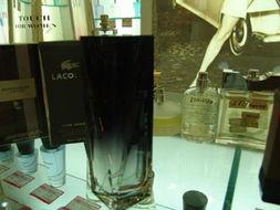 百货香水专柜让消费者产生奢华感