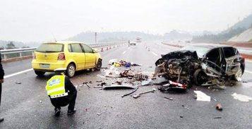 男子不满公交车开得慢掐司机脖子导致车祸