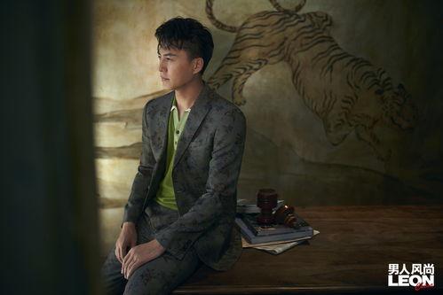 靳东登男人风尚leon八月刊封面讲述他信马由缰的减法人生