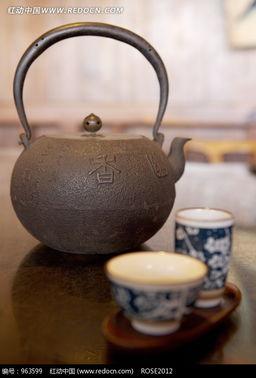 刻着 香 字的茶壶和茶杯图片免费下载 红动网