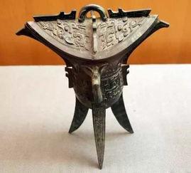 斝爵觚(gu,音姑):是最早出现的青铜饮酒器。