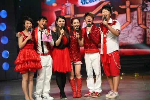 李湘重返《快乐大本营》与谢娜一吻泯恩怨