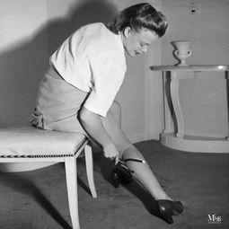 生活在别处 40 年代的液体丝袜