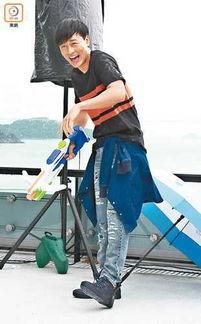 林峰与比基尼女郎玩水拍MV 吴千语贴心准备晚餐
