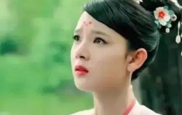 8个似哭未哭的女星,赵丽颖霸气,陈瑶尴尬,贾静雯不愧是老戏骨