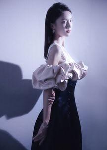 美女艺人金晨优雅靓丽性感气质写真