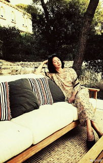 金星和老公度假,照片大秀美照,只是双脚让网友心疼