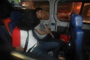 香港一男子持刀打劫珠宝行 挟持经理被制伏