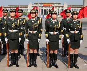 我军首批三军女子仪仗兵12日亮相外交礼仪,接受中外领导人检阅.